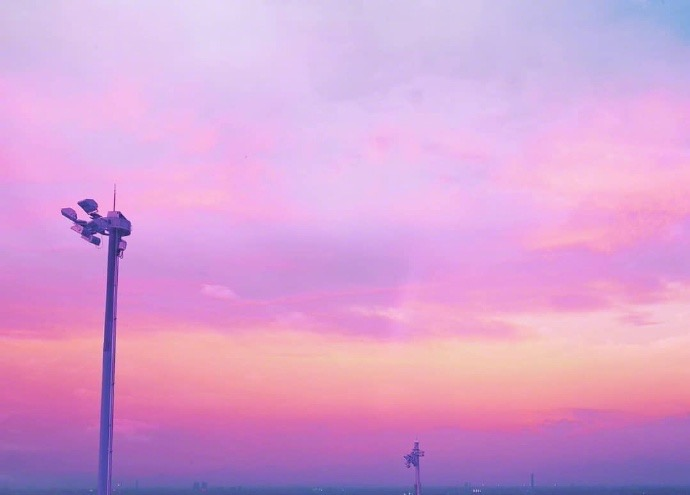 粉色唯美风景图朋友圈背景